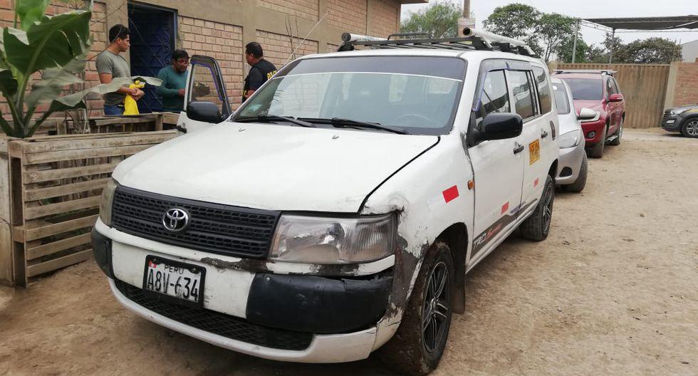 Delincuentes se movilizaban en dos vehículos. Uno de ellos era la camioneta Toyota de placa A8V-634.