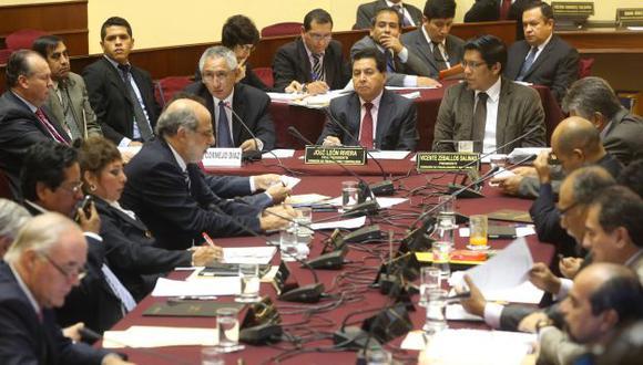 Comisión de Fiscalización investigaría caso Helios, que involucra al expremier René Cornejo. (USI)