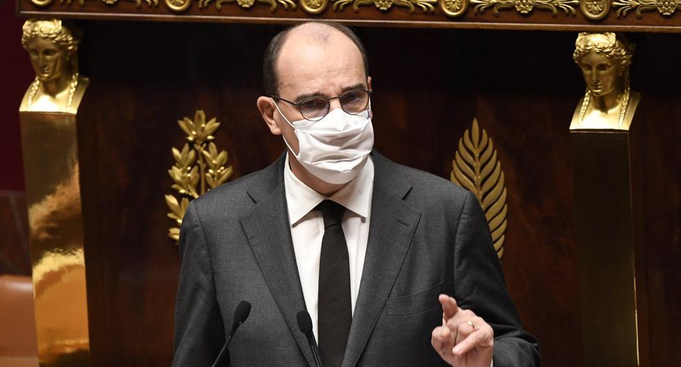 El primer ministro francés, Jean Castex, habla en la Asamblea Nacional mientras los parlamentarios se preparan para votar sobre las medidas tomadas para frenar la propagación del nuevo coronavirus, en el Palais Bourbon en París, el 29 de octubre de 2020. (Bertrand GUAY / AFP).