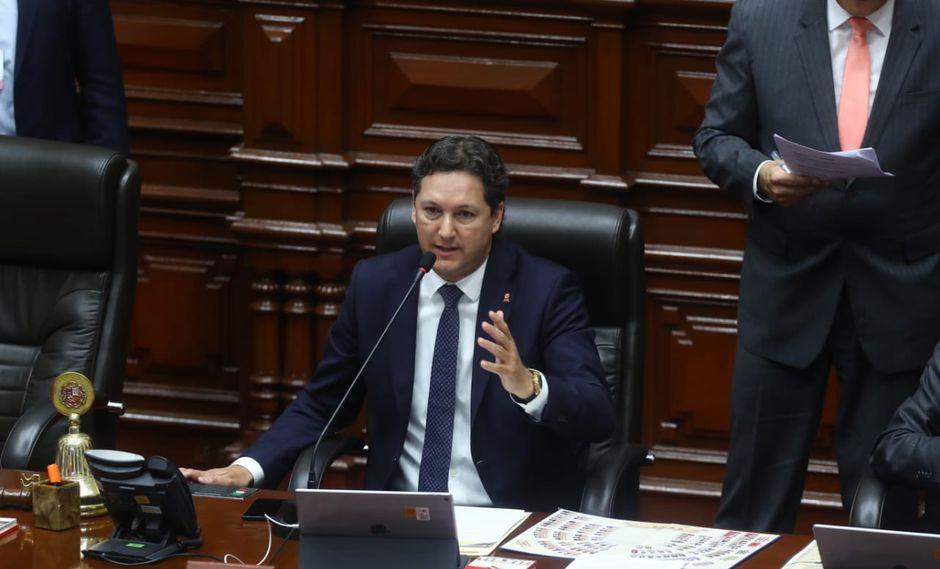 Estas palabras fueron bien recibidos por los parlamentarios presentes, quienes aplaudieron a Daniel Salaverry. (Foto: Alessandro Currarino / GEC)