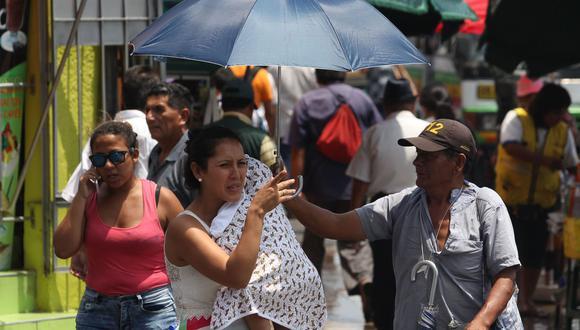 Especialistas recomiendan a la población evitar exposición a los rayos solares entre las 10 y 3 de la tarde. (Foto: Andina)