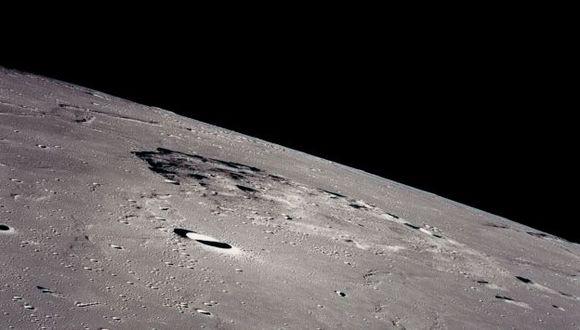 Superficie de la Luna. (Internet)