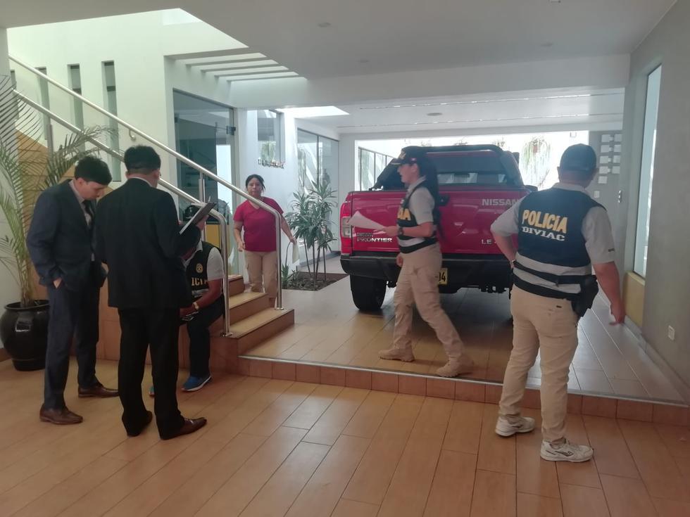 Agentes de la Diviac incautaron el vehículo del exalcalde Luis Castañeda.