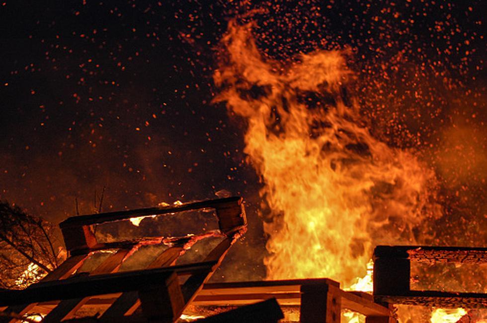 Mujer terminó con 30% del cuerpo quemado tras explosión de balón de gas. (Getty)