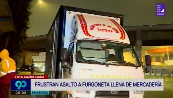 Tres delincuentes armados intentaron robar mercadería de furgoneta en San Borja. (Captura: Latina)