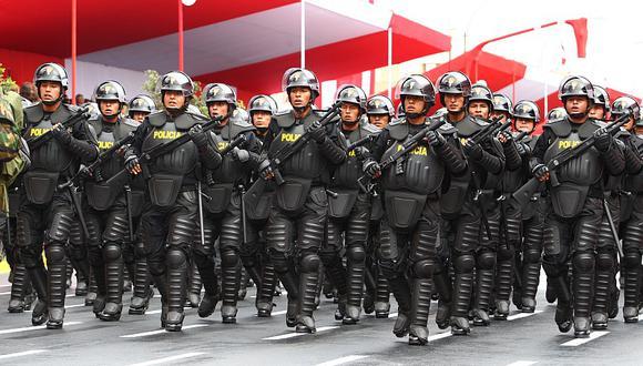Pleno del Congreso aprobó dictamen sobre adelanto del aumento de sueldo a policías y militares. (Perú21)