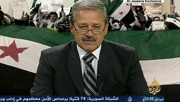 """Nawaf Fares llamó al Ejército a \""""integrar inmediatamente las filas de la revolución. (Reuters)"""