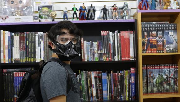 El centro comercial Arenales reúne varias tiendas dedicadas a la venta de cómics y figuras de acción. (Foto: Fernando Sangama/GEC))