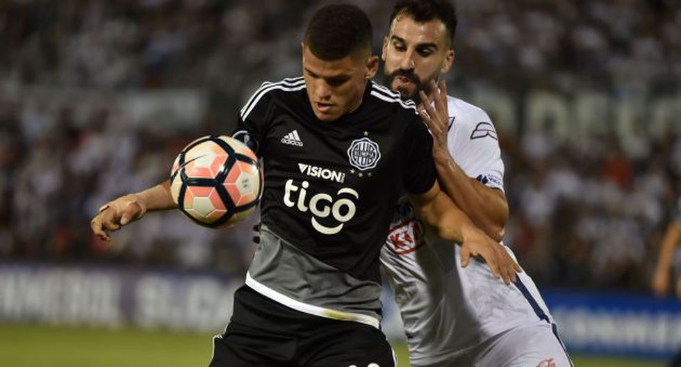 Ambos equipos 'guaraníes' se reencontraron tras el empate 1-1 de la ida. (AFP)