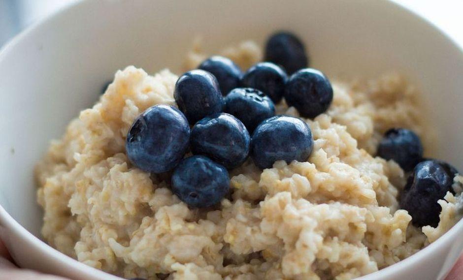La especialista recomienda consumirla a diario como primer alimento del día en el desayuno y almuerzo, y en hojuelas porque contienen más fibra.