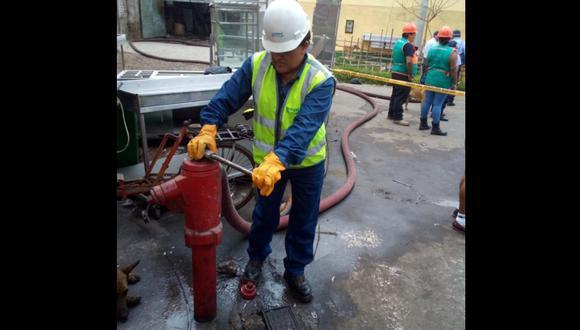 Debido a los trabajos de reparación por la rotura de una tubería matriz, situada en la cuadra 10 de la Av. Angamos, en Surquillo, se ha suspendido el servicio de agua potable. (Foto: Sedapal/Referencial)
