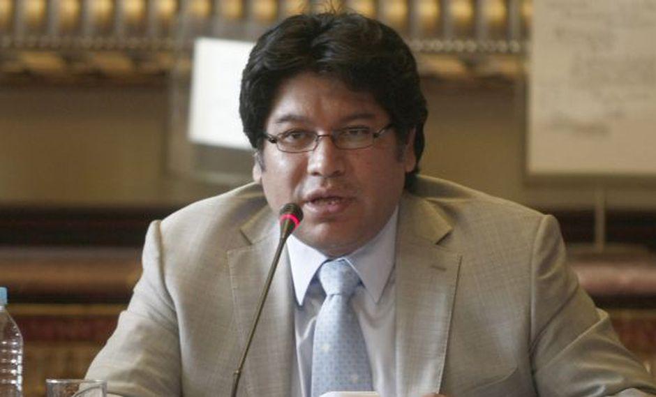SALVADO. Espinoza saldría bien librado de este caso gracias al apoyo de Gana Perú y Perú Posible. (César Fajardo)