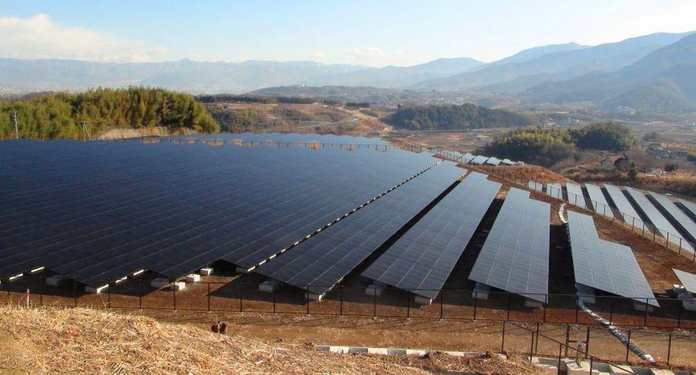 Los paneles solares son una alternativa para generar energía. (Foto referencial: Wikimedia)