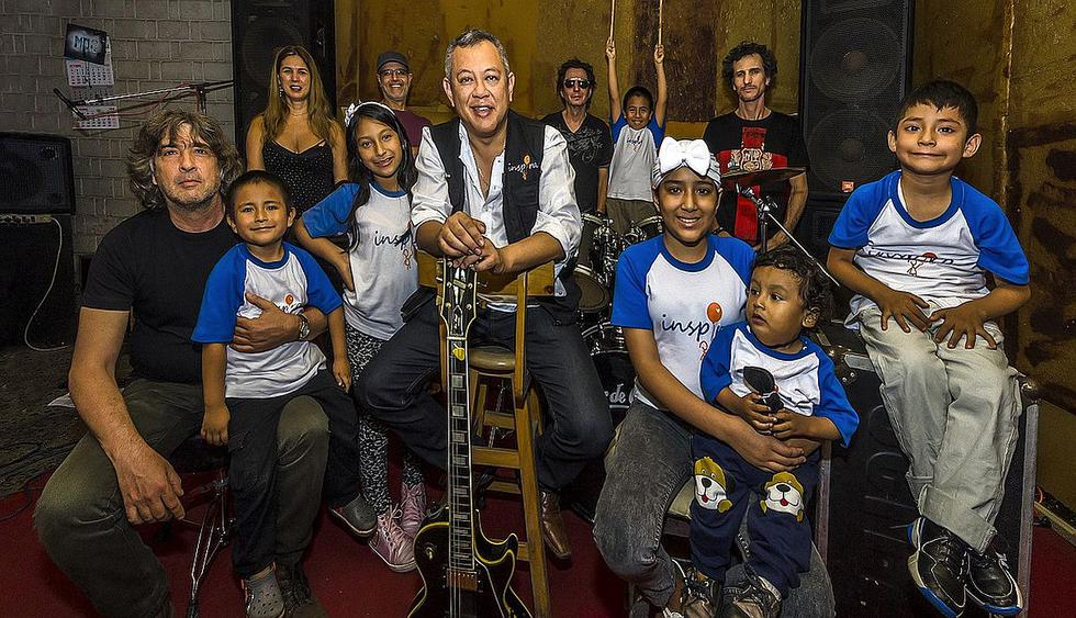 La agrupación de rock Mar de Copas se unió con el doctor Ricardo Pun Chong para una presentación especial. (Foto: @mardecopas)