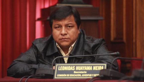 El congresista Leonidas Huayama manifestó su desacuerdo ante el proceso que se le abrió a Esther Saavedra. (Internet)