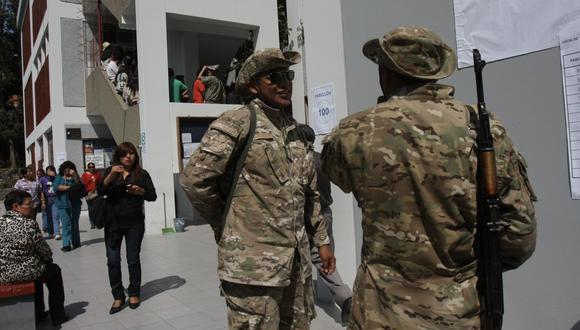Despliegan 47,000 militares para resguardar locales de votación durante Referéndum 2018.