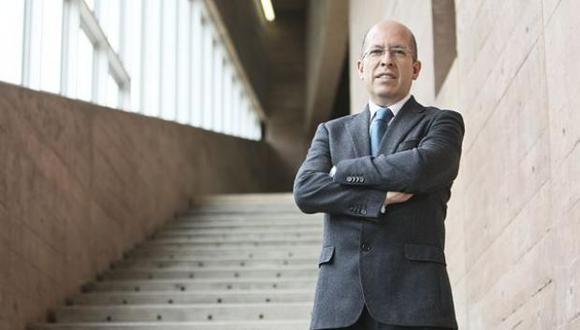 Carlos Fosca Pastor también es profesor principal del Departamento de Ingeniería en la PUCP.