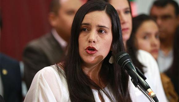 Verónika Mendoza envió mensaje a favor de referéndum. (Foto: Agencia Andina)