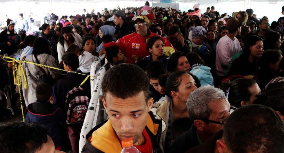 Cientos de venezolanos están varados en Tacna a la espera de salvoconducto hacia Chile. La imagen es referencial y pertenece al paso de la frontera norte del Perú. (AP)