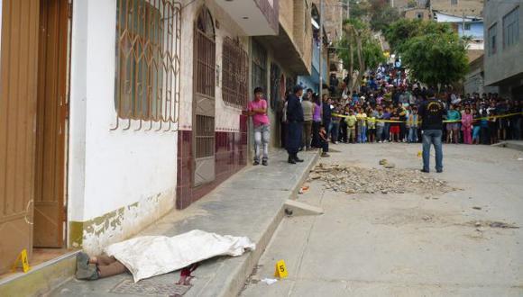 HOIRRENDO CRIMEN. Parientes de fallecidos pidieron justicia. (Diario Ahora de Huánuco)