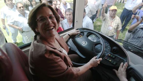 Alcaldesa se mostró alegre ante reportaje que refleja caos vehicular en Lima. (Andina)