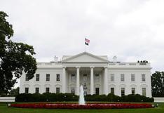 EE.UU.: Trump ordena finalmente bajar a media asta las banderas por policía fallecido