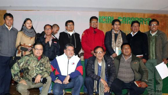 Presidente de Devida y dirigentes cocaleros en sesión. (Foto: Devida)