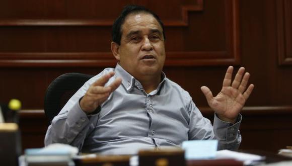 Fredy Otárola pidió a organizaciones de derechos humanos no recibir parte del dinero que se le entregará a Gladys Espinoza. (Perú21)
