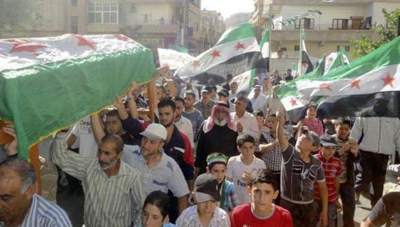Decenas de personas mueren cada día en Siria. (Reuters)