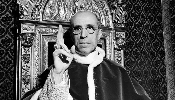 El papa Pío XII en imagen tomada en septiembre de 1945. El sumo pontífice será investigado sobre lo que hizo o no hizo en tiempos de guerra para salvar a los judíos del Holocausto. (Foto: AP/Archivo)