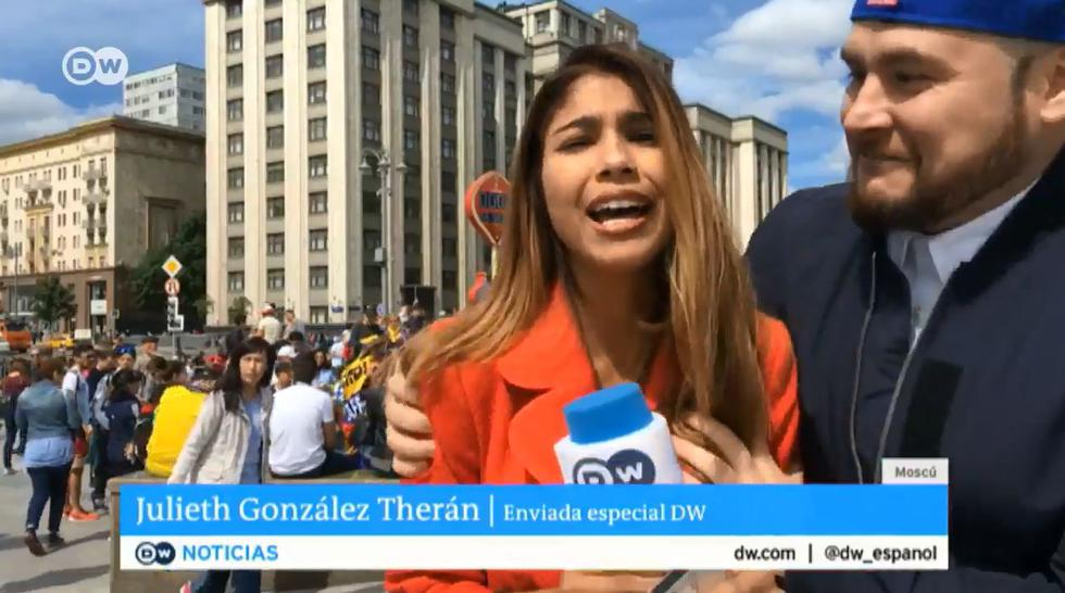 Mundial Rusia 2018: Reportera colombiana fue víctima de acoso durante trasmisión en vivo. (Twitter/DW)