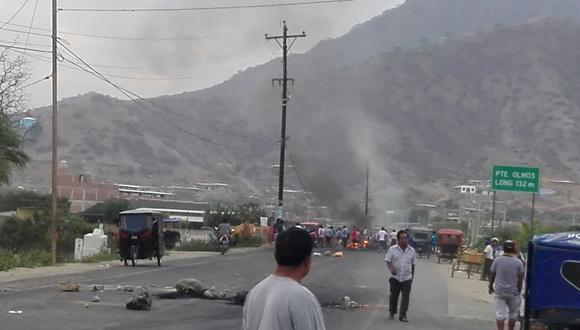 Moradores de Olmos bloquearon nuevamente la carretera Fernando Belaunde Terry.
