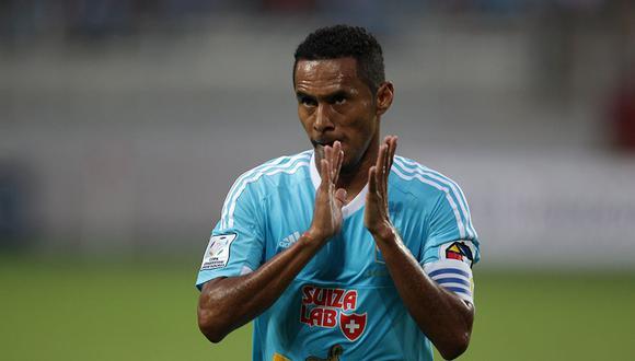 Carlos Lobatón, de 38 años, jugará en Sporting Cristal por toda la temporada 2019. (Foto: Germán Falcón/GEC)