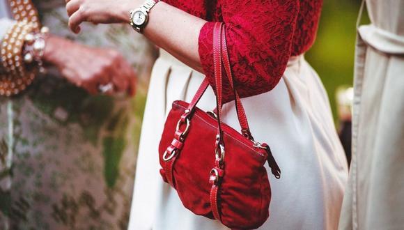Para verte bien todo el día, hay productos que siempre debes llevar contigo en el bolso. (Foto: Pixabay)