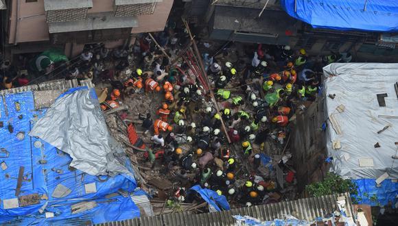 El edificio estaba ubicado en una calle estrecha de una zona bulliciosa. (Foto: AFP)