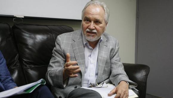 Sunat: Denuncian irregularidades en contratación de ex ministro Francisco Eguiguren. (USI)