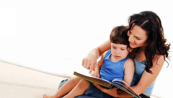 Los especialistas sugieren que los niños sean evaluados periódicamente desde  los 6 meses de edad.
