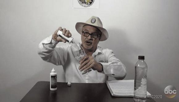 Mark Grenon, de 62 años, junto a sus hijos, fabrica, promueve y vende Miracle Mineral Solution (MMS), una solución química que contiene clorito de sodio y agua. (Foto: captura Twitter)