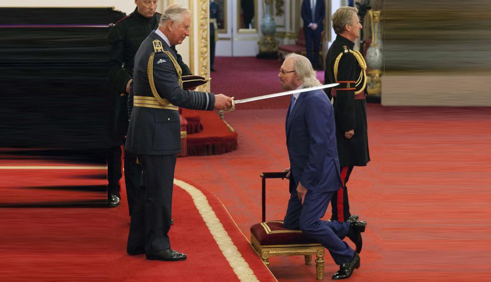 Barry Gibb, el último sobreviviente de los Bee Gees, fue nombrado Caballero del Imperio británico por el príncipe Carlos. (AP)