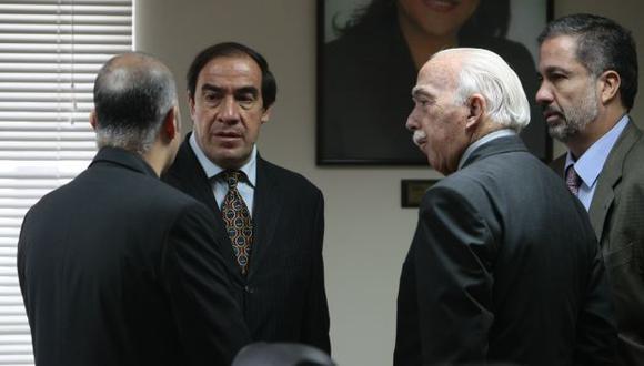 DIMES Y DIRETES. Lescano y Tubino se enfrentan por Alan García. (Rafael Cornejo)