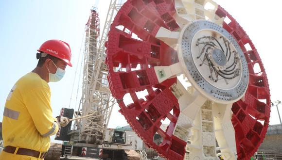 La tuneladora tiene una  longitud aproximada de 120 metros y la rueda de corte mide 10.27 metros de diámetro. Se trata de la máquina más grande en la construcción de infraestructura vial que se ha visto en el país.
