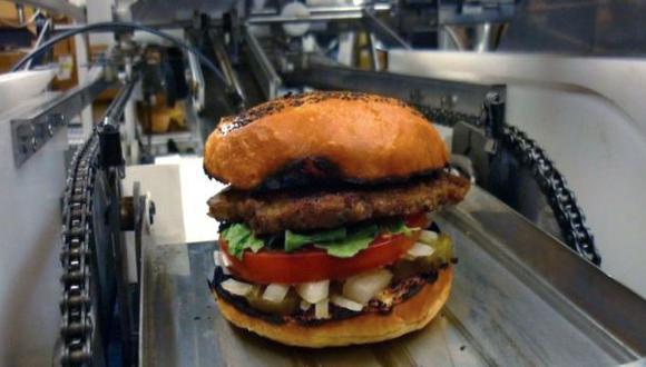 San Francisco: Una compañía inventó una maquina que cocina 400 hamburguesas por hora (Momentum Machines)