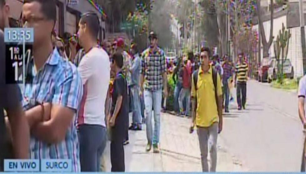 Cientos de venezolanos vuelve a formar largas colas para tramitar su Permiso Temporal Permanente. (PTP)