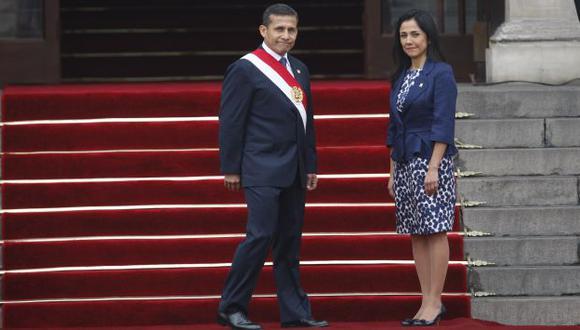 MAL MOMENTO. La pareja presidencial atraviesa por el nivel más bajo de aprobación popular. (Luis Gonzales)