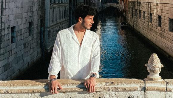 """Sebastián Yatra estrena su balada """"Tarde"""", cuyo video fue filmado en Venecia (Italia). (Foto: Universal)"""