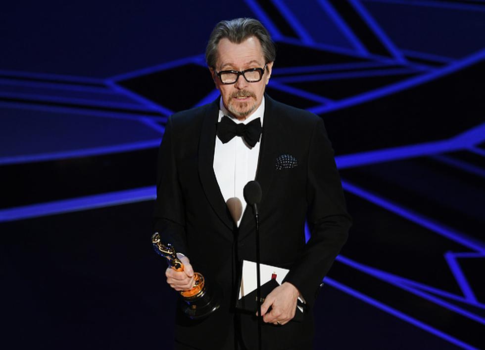Gary Oldman recibe estatuilla dorada de la Academia.  (Getty)