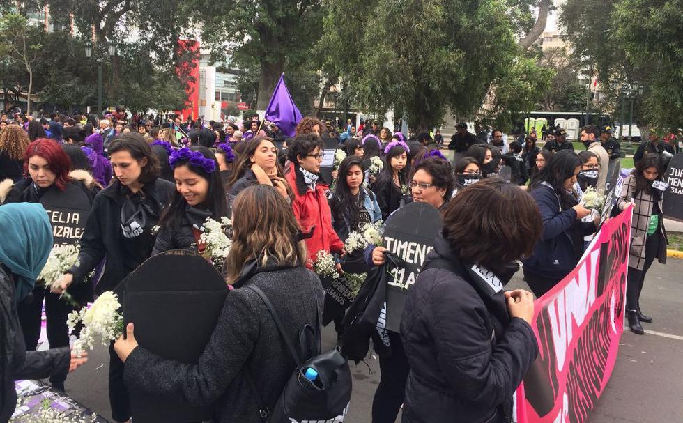 Así se desarrolla la denominada marcha 'MujeresxJusticia'. (Twitter/Ni una menos)