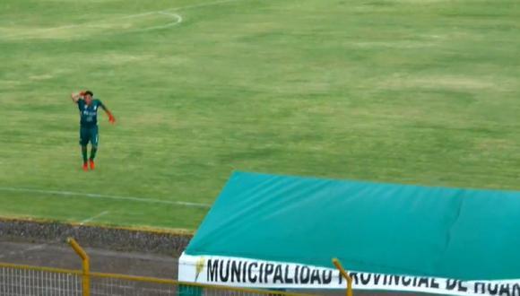 Un rayo cayó cerca al portero de Deportivo Garcilaso en la Copa Perú. (Foto: Captura)