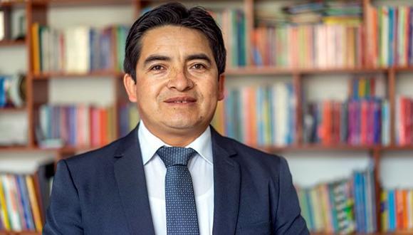 Cajamarca. El profesor Santos Guevara trata de que sus estudiantes tengan una educación en igualdad de condiciones en las grandes ciudades. (Minedu)