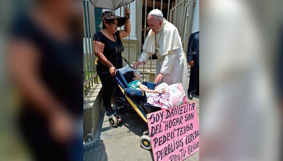Papa Francisco en Lima: Sumo Pontífice se conmueve ante dramático pedido de bendición de una niña enferma. (EFE)